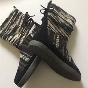Toms Nepal Boot Mixed Media Black Suade